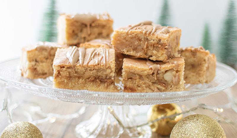 White-Chocolate-Caramel-Blondies-Kuchen-Stücke